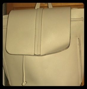 *PREOWNED* Zara Basic Women's White Backpack